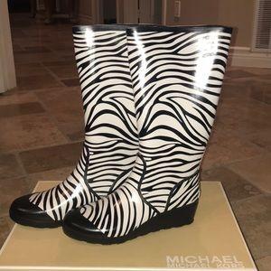 Michael Kors Zebra Rain Boots 10M Black/White